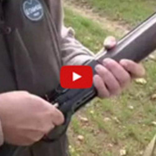 Cómo colocar el Caza Vainas en una escopeta semautomática