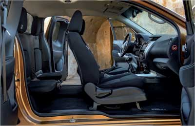 Nissan-Navara-NP-300-asientos