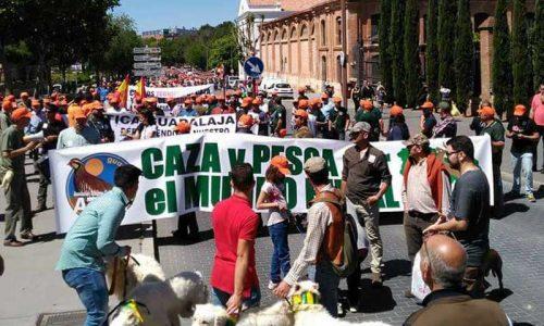 Gran éxito en la manifestación a favor de la caza y la pesca en Guadalajara