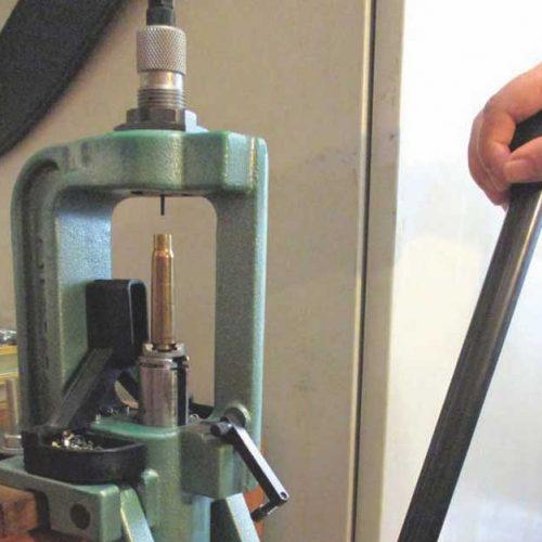 Iniciación a la recarga de cartuchería metálica (II). Preparación de la vaina