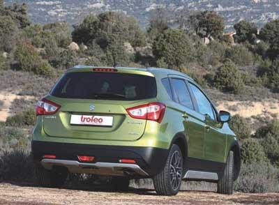 Suzuki-SX4_parte-de-atras