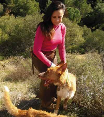 Ana-marmolejo-con-perro