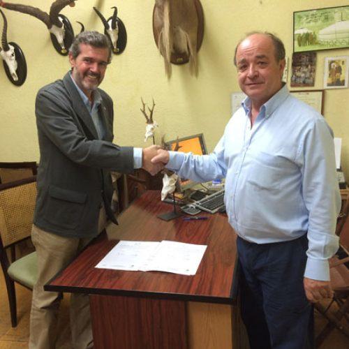 Convenio entre la ACE y la ANTAX para el seguimiento de la moscarda del corzo