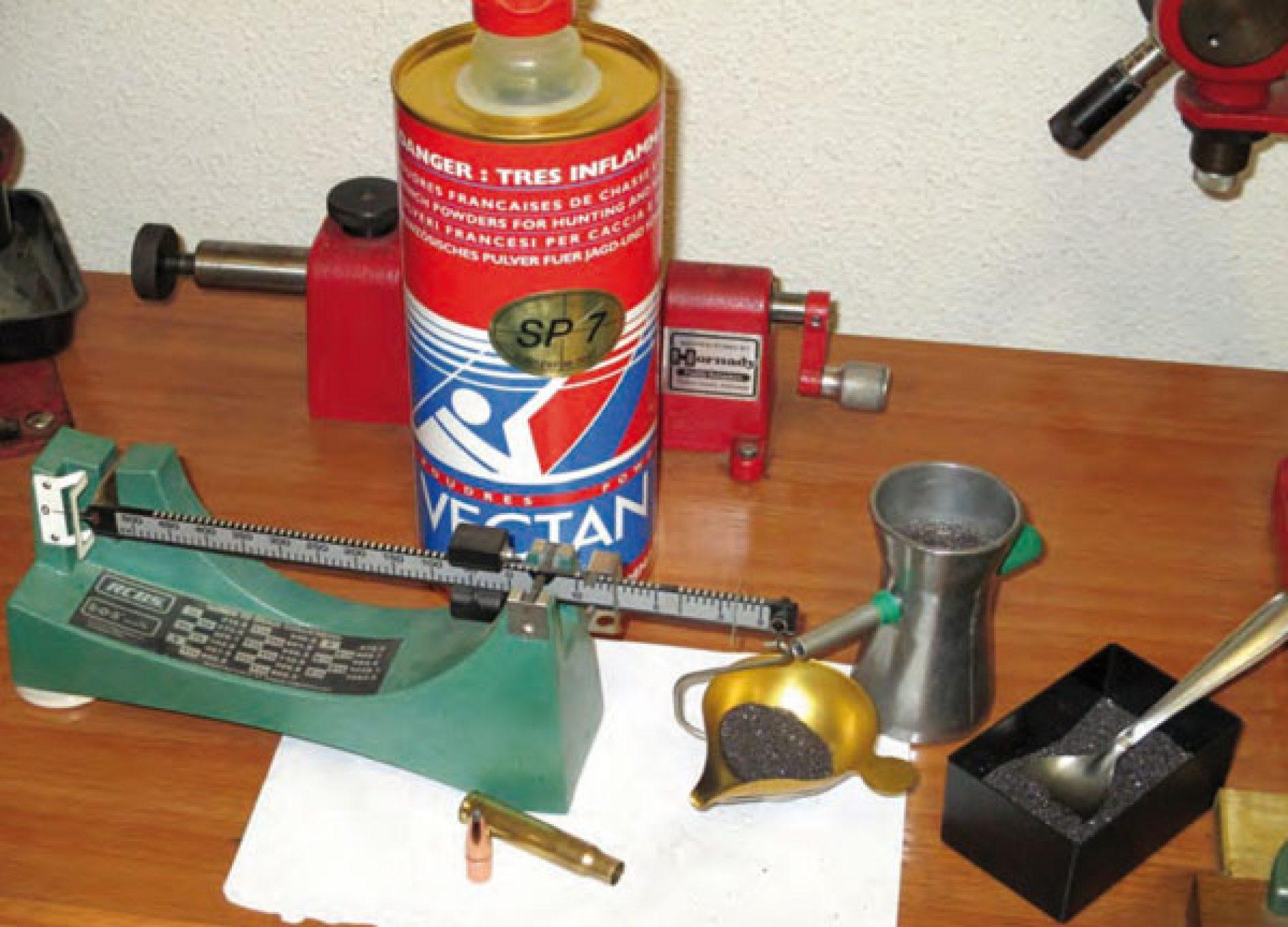 Iniciación a la recarga de cartuchería metálica IV. Dosificación de la pólvora.