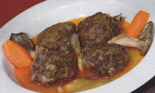 Sopa de setas con albóndigas de paloma
