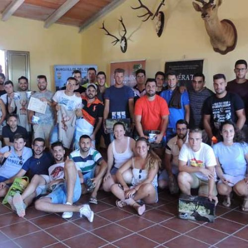 Jóvenes cazadores se congregan en Extremadura para defender la caza