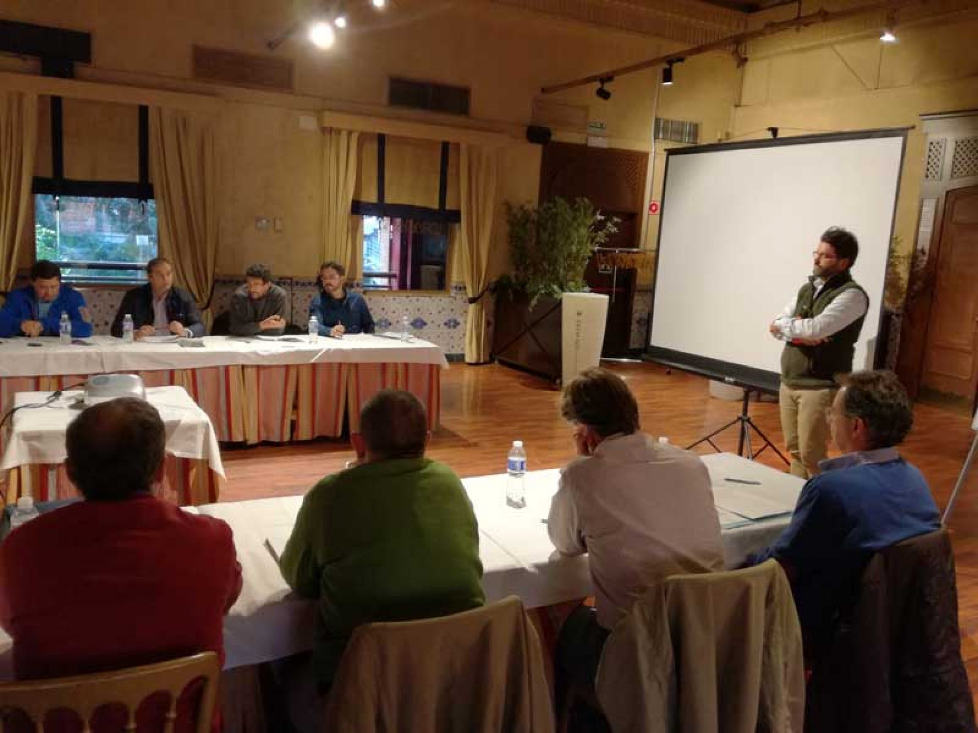Artemisan reúne a 14 científicos en un Grupo de Discusión sobre Caza y Conservación