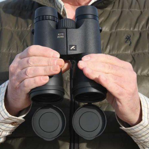 Prismáticos para rececho Kite Petrel 10×50, pruebas diurnas y nocturnas