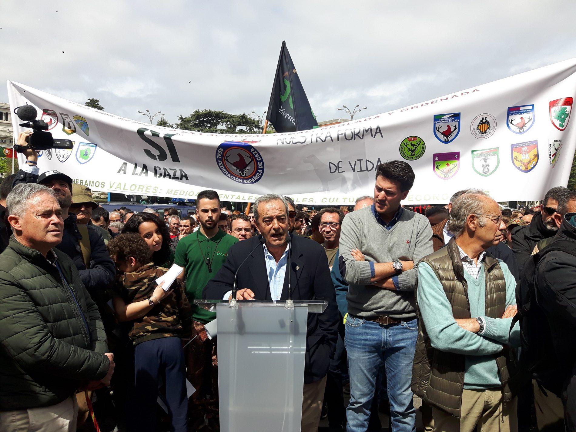 Más de 100.000 cazadores piden respeto en toda España