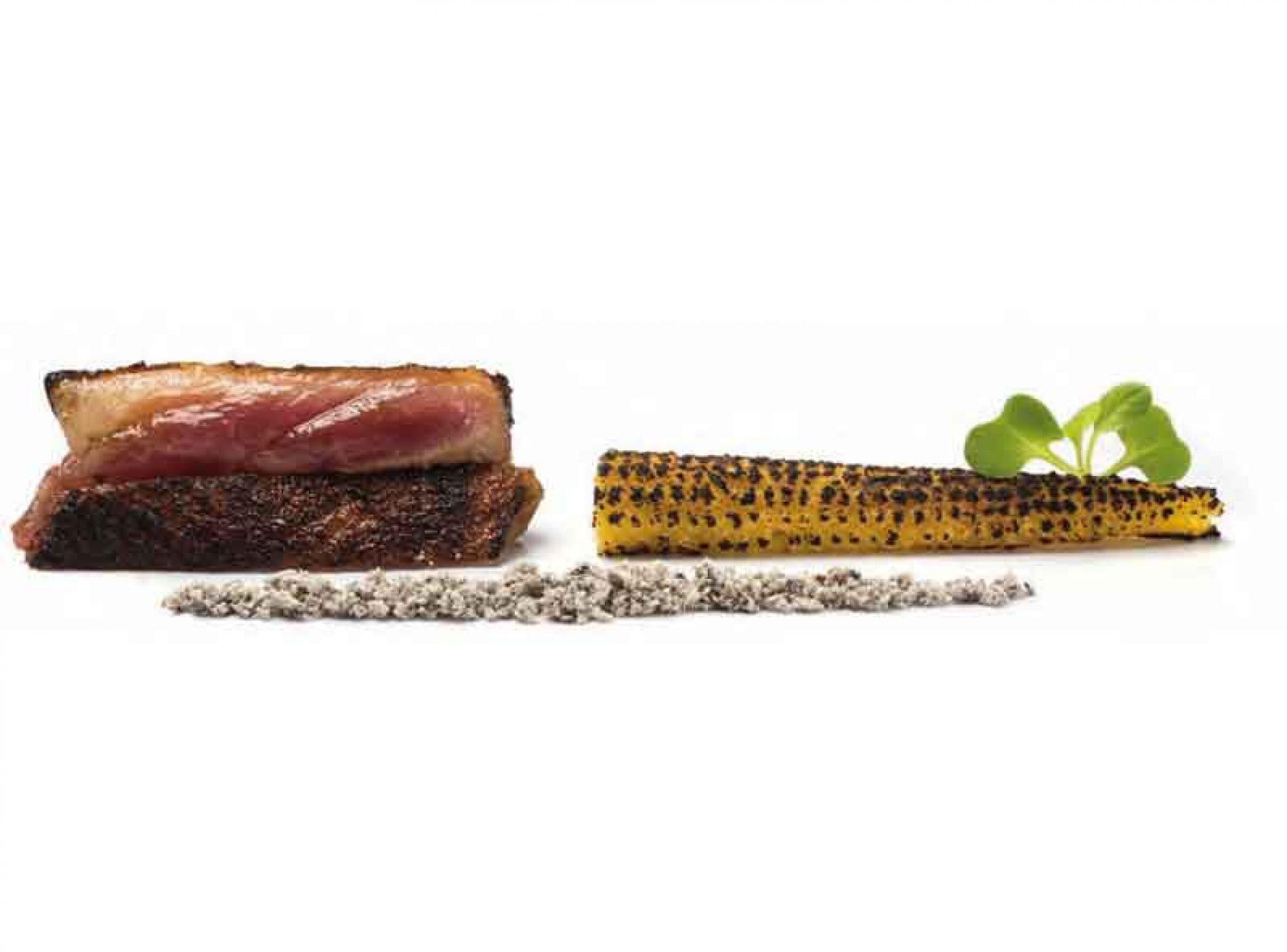 Pato a la brasa con maíz