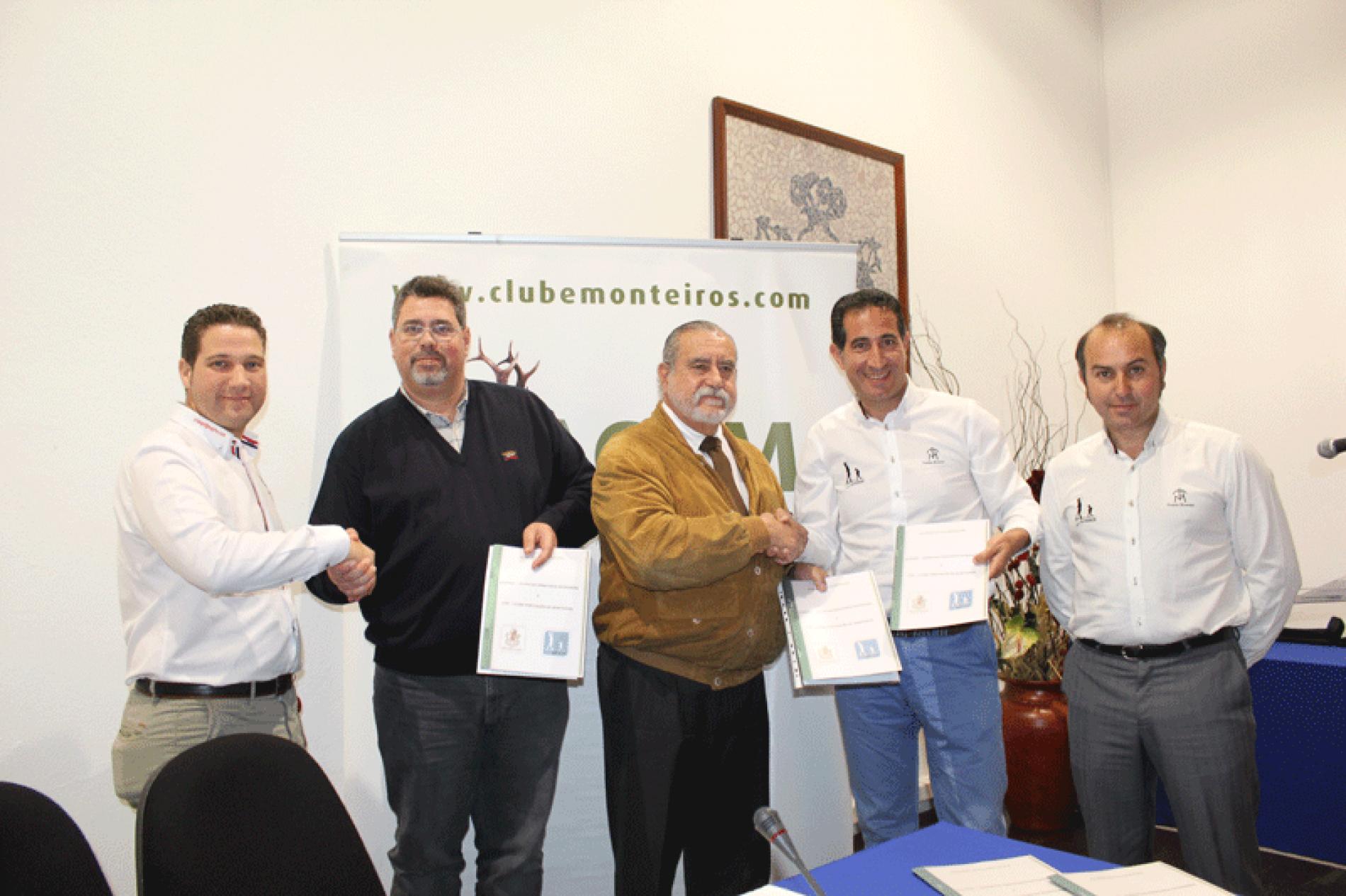 JUVENEX firma un protocolo de colaboración con jóvenes cazadores portugueses
