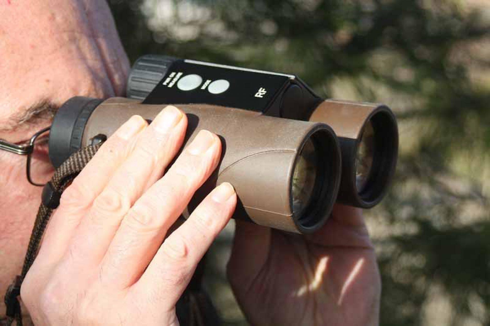 Probamos los prismáticos Kahles Helia Rangerfinder