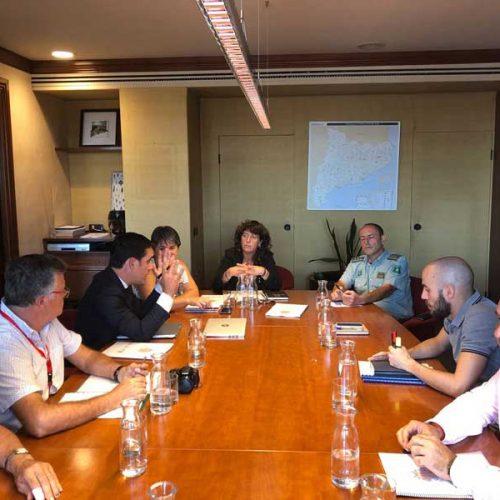 La consellera Teresa Jordà se reúne con los representantes de la Federación Catalana de Caza