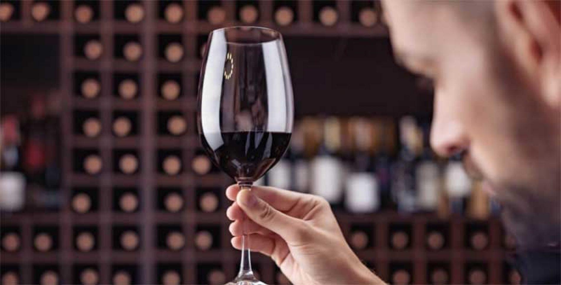 Bodegas LAR de PAULA, el vino que buscas para estas Navidades
