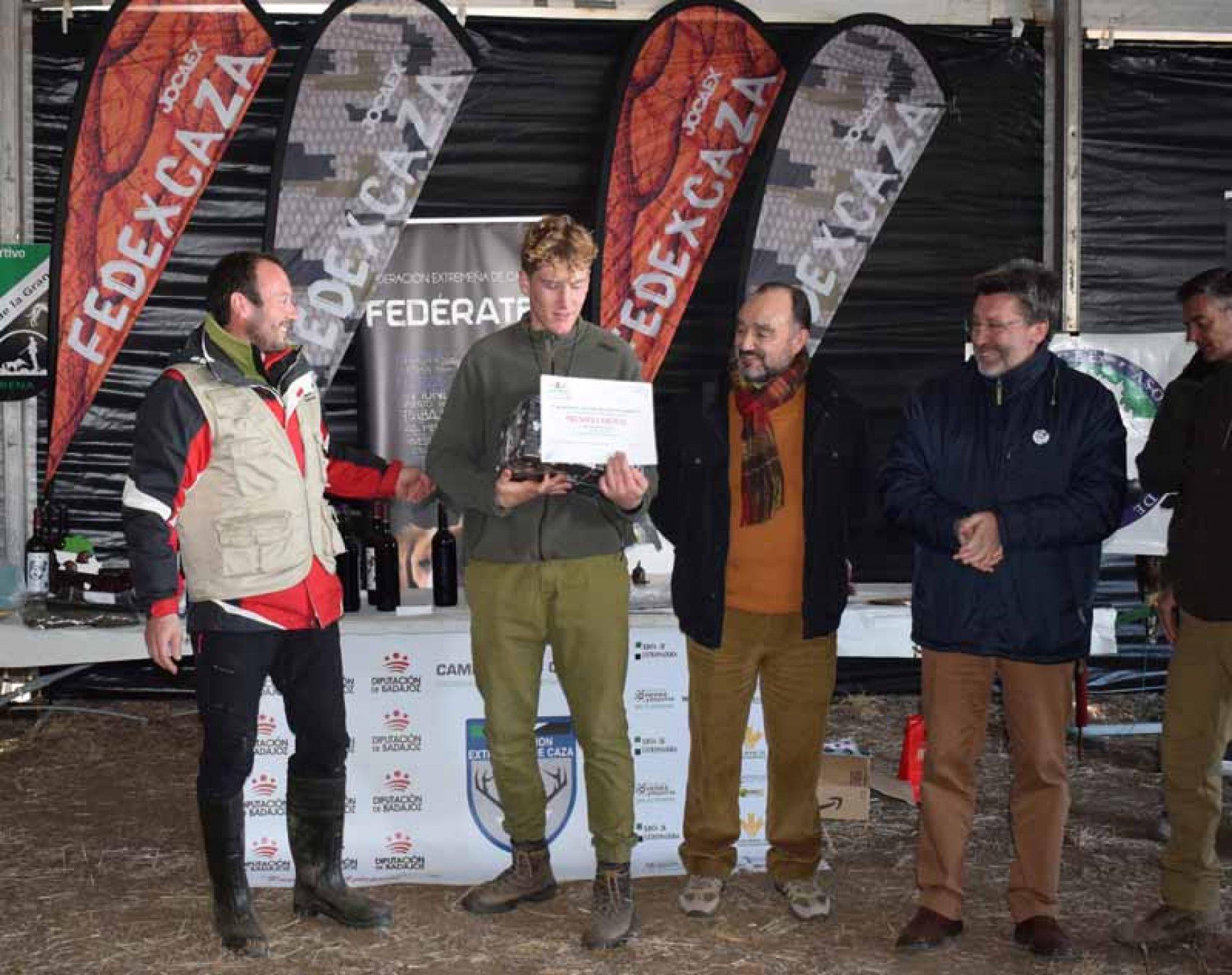 Michiel Buil y Gabriel Miguel Ballesteros, ganadores del Campeonato de Extremadura de Cetrería 2019