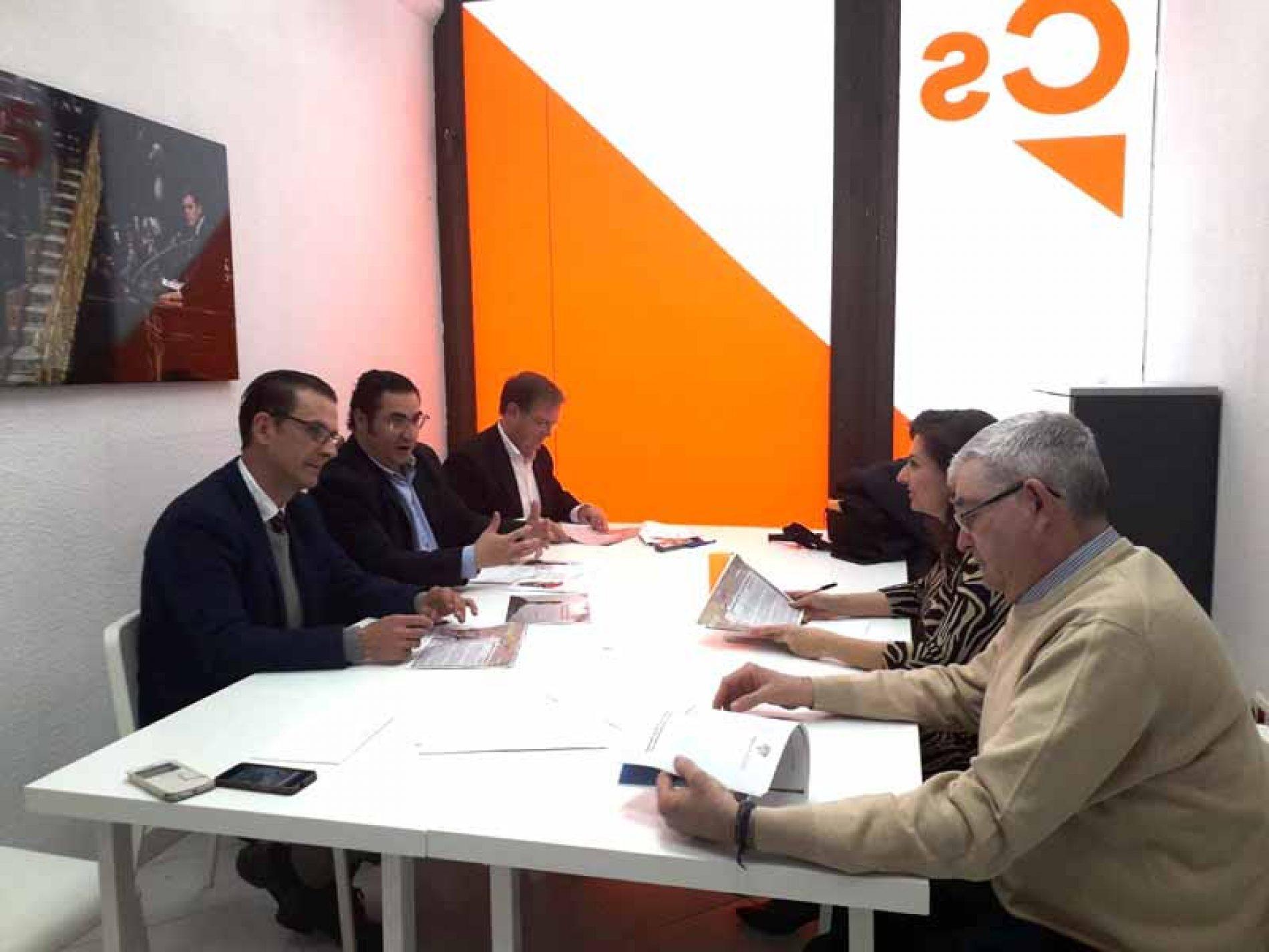 #LaCazaTambiénVota presenta sus 15 propuestas a PSOE y Ciudadanos de Castilla-La Mancha