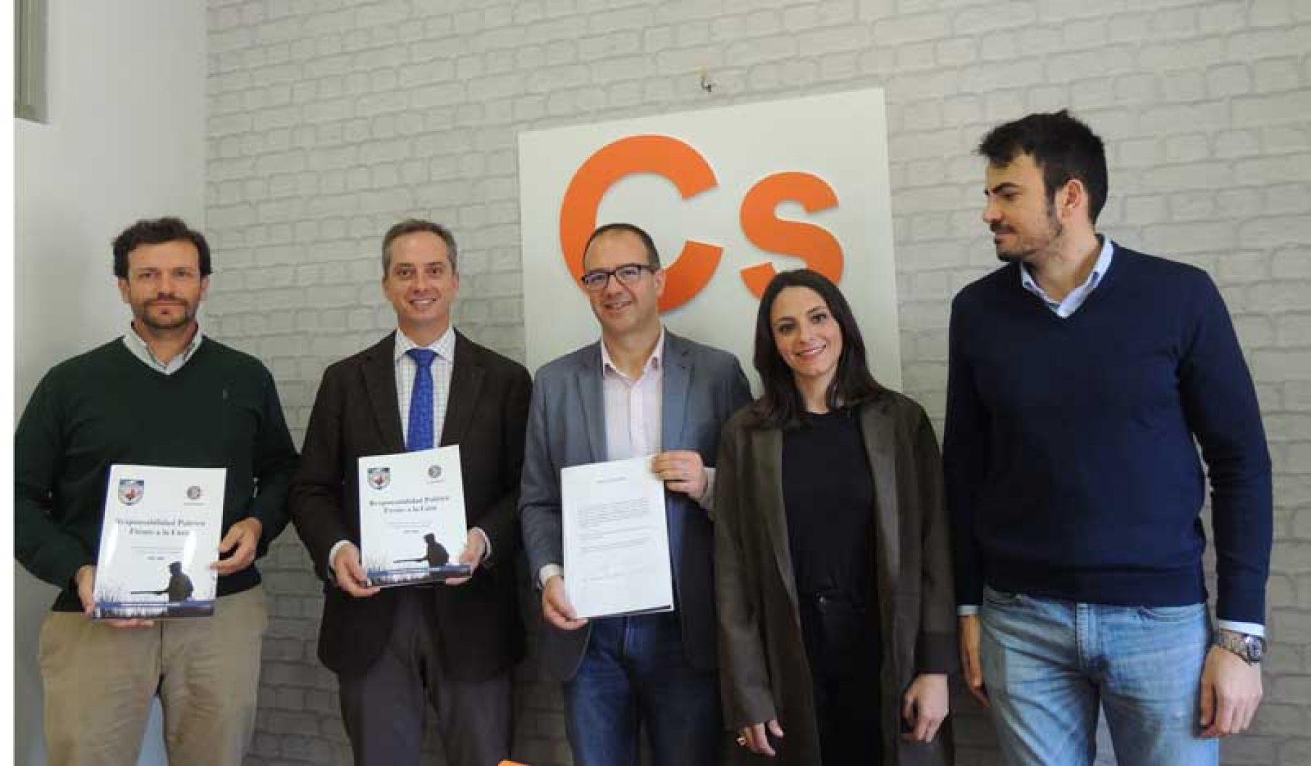 Ciudadanos firma el 'Decálogo por la Caza' planteado por la Federación Extremeña