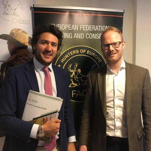 VOX garantiza su apoyo a la Federación Europea de Asociaciones de Caza