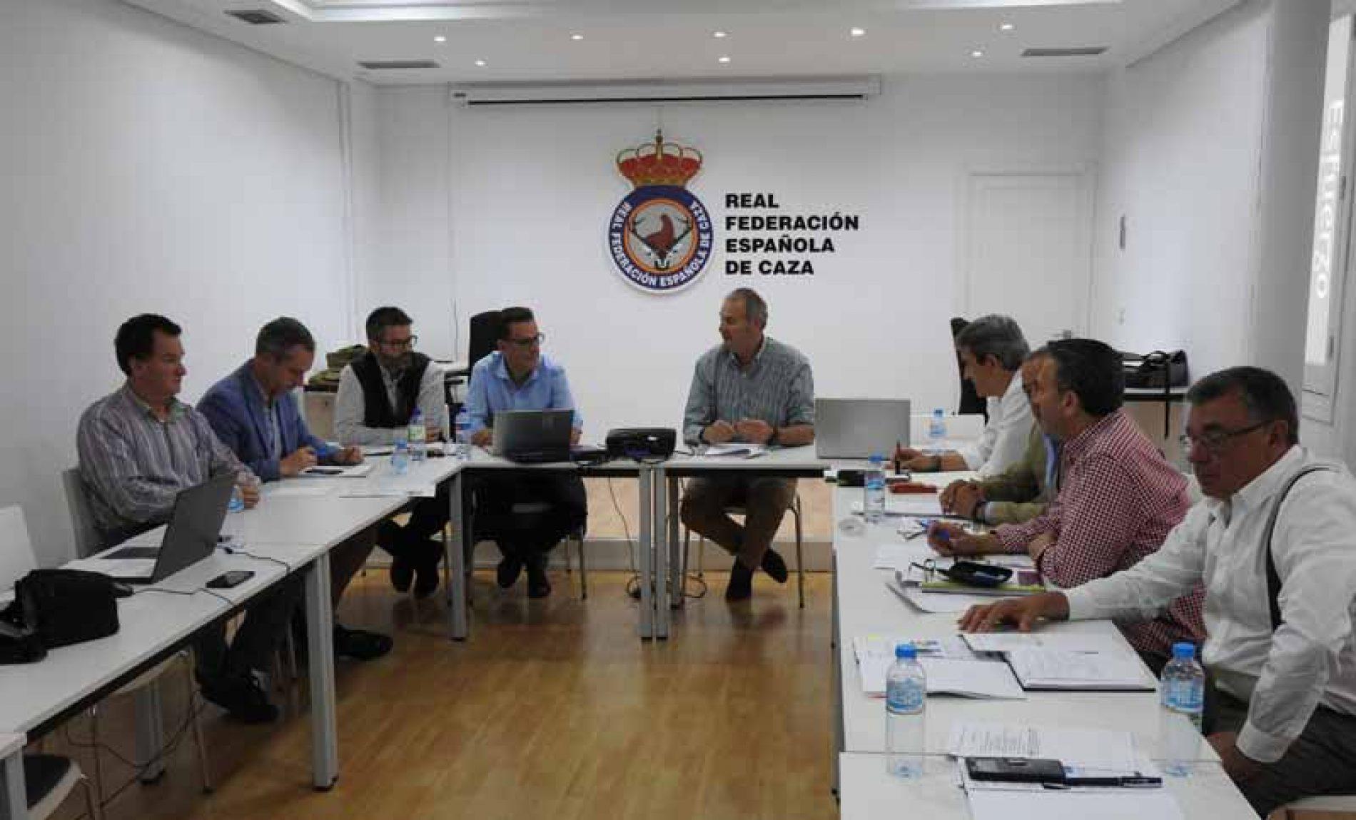 Las Federaciones de Caza y Artemisan proponer al MITECO fechas de cría y migración de las especies