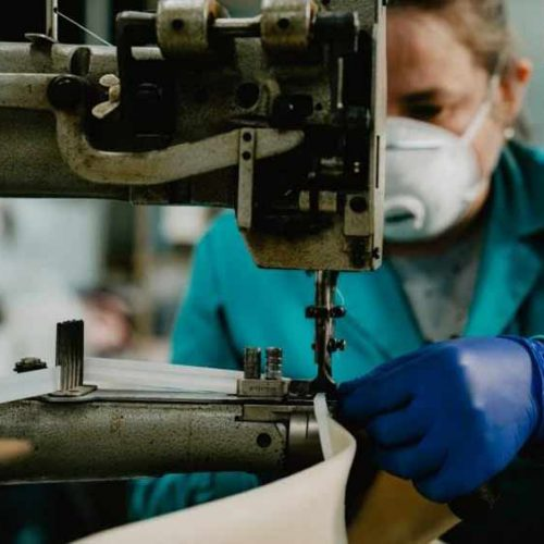 Chiruca, empresas y voluntarios se suman a la lucha contra el coronavirus.