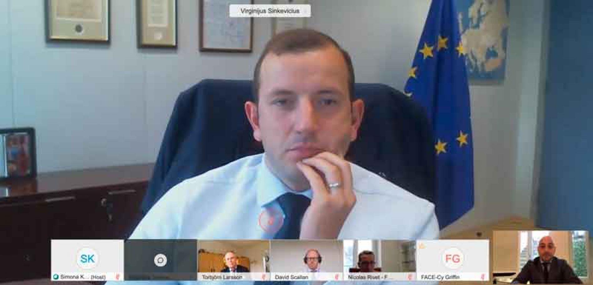 La RFEC se reúne con el Comisario de Medio Ambiente de la CE para abordar la situación de la tórtola, el silvestrismo y la nueva PAC