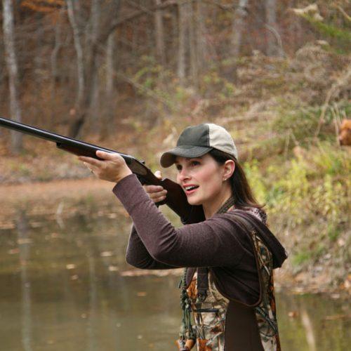 La RFEC traslada al MITECO su rechazo a la propuesta de prohibir la caza en el 10 % del territorio de la UE