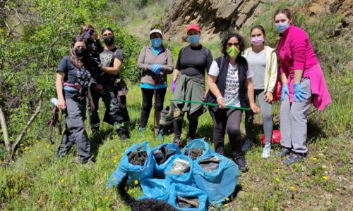 Los cazadores de Laroles retira más de 200 kilos de basura del Parque Nacional de Sierra Nevada