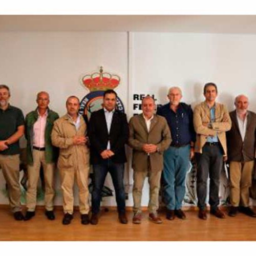 LaOficina Nacional de la Caza serefunda como lugar de encuentro yfijación de estrategias del sector cinegético español